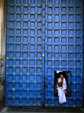 Indigo Door. http-::enversdudecor.tumblr.com: